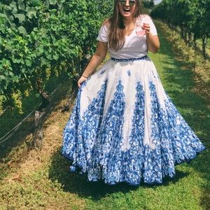 BEAUTIFUL FLOOR LENGTH BLUE/WHITE SKIRT